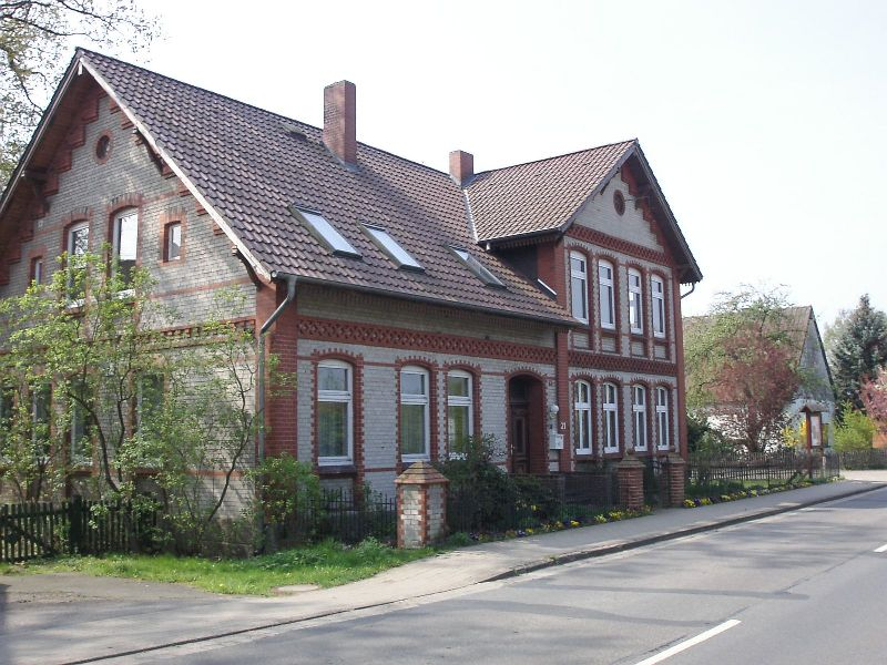2005April Pfarrhaus a